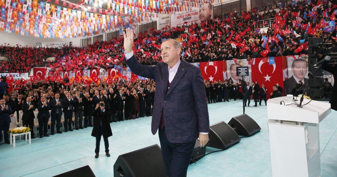 Erdogan qualifie Israël d'«Etat terroriste  tue des enfants», Macron appelle à l'apaisement