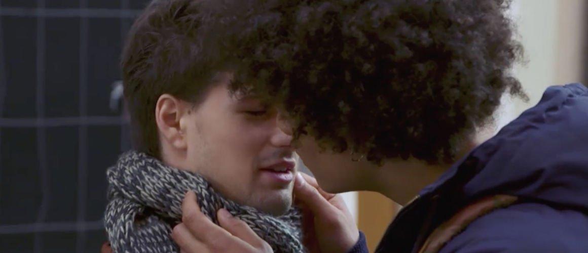 Plus belle la vie : Baptiste et César sur le point de s'embrasser ! (VIDEO)