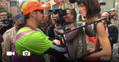 Cette femme est allée trop loin, mais les passants ne s'en sont pas plaint!