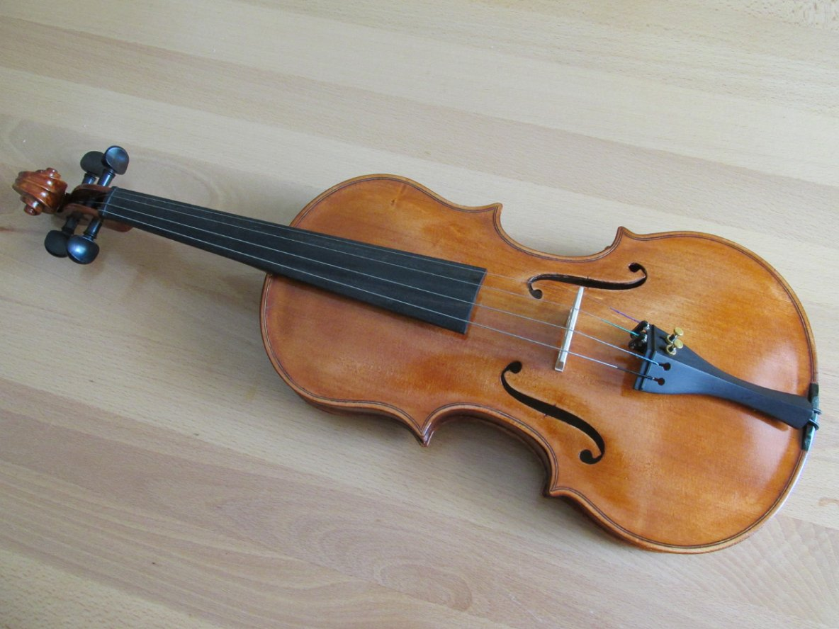 amazing hand made violin, made in croatia, unicat product
