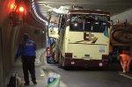 Catastrophe évitée de justesse dans un tunnel suisse pour un car danois