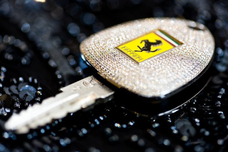 Hotel valet gives Ferrari 458 Spider keys to the wrong man