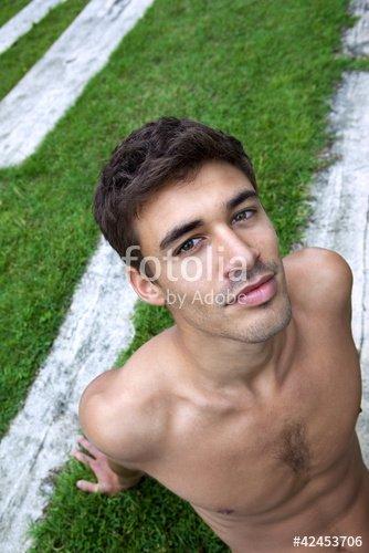 """""""Homme, jeune, beau, séduisant, mâle, garçon, masculin"""" photo libre de droits sur la banque d'images Fotolia.com - Image 42453706"""
