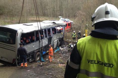 5 morts et 19 blessés dans un accident de bus près d'Anvers