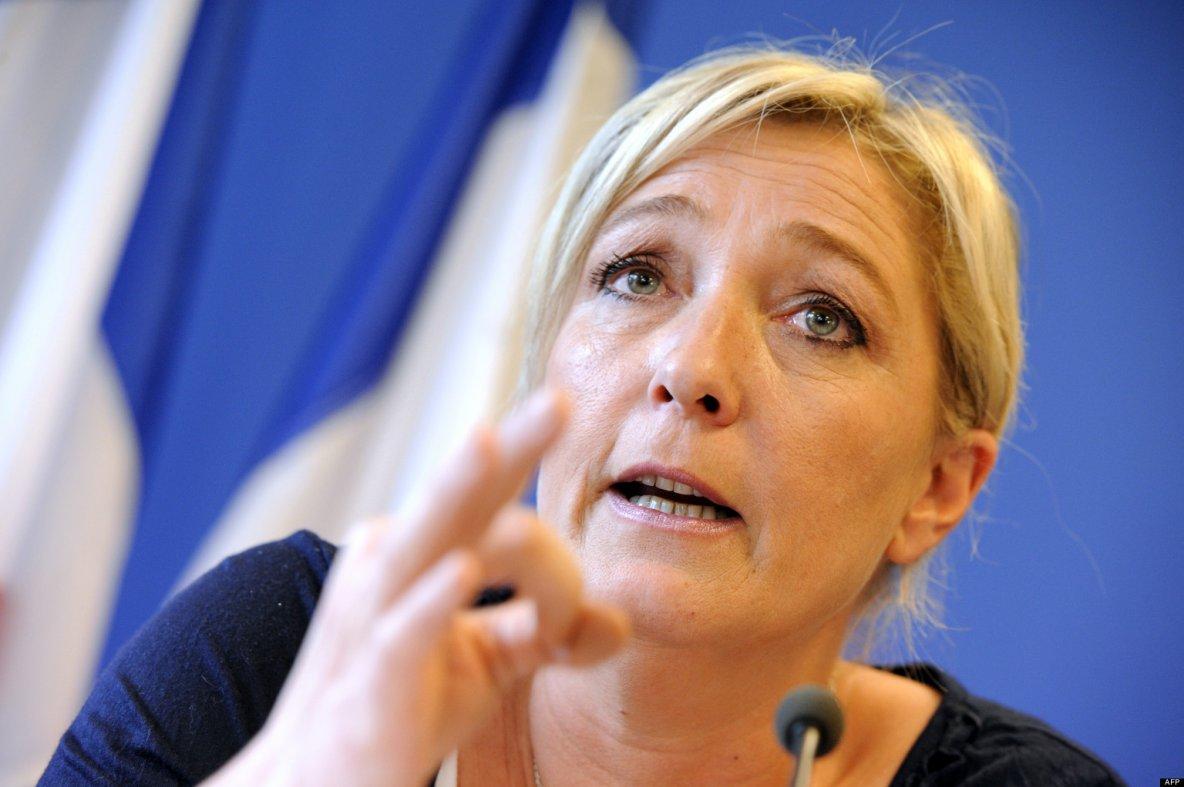 """Marine Le Pen: """"Moi au pouvoir, j'abolirai le mariage pour tous"""""""