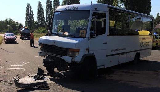 TéléMB : Hensies - 11 blessés suite à un accident entre un car scolaire et une voiture - Les reportages