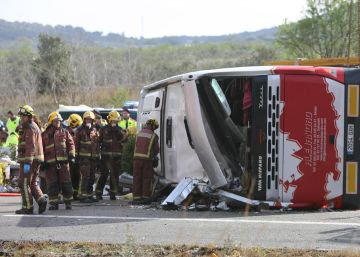 Fallecen 13 estudiantes extranjeras al volcar un autocar en Tarragona