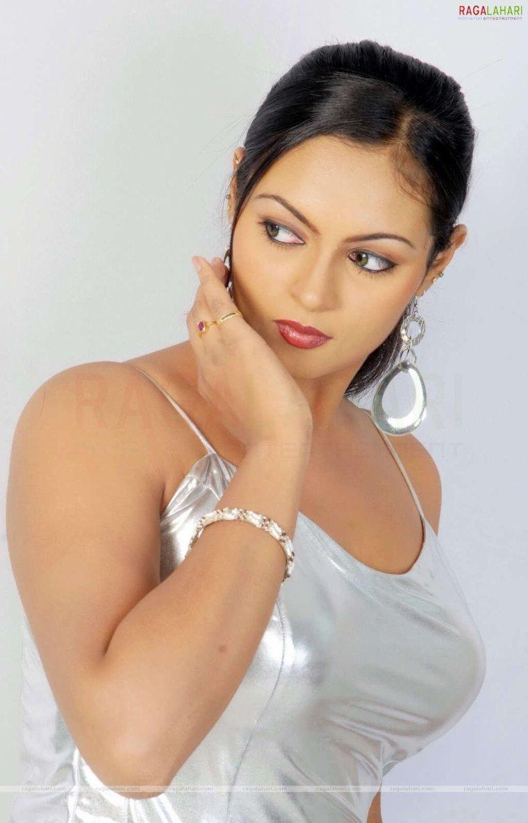 Naina Verma - Kolkata, India | about.me