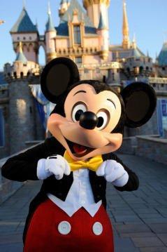 Je vous souhaite les bienvenue dans mon monde qui est magique!!! JSUIS NICKY LARSON