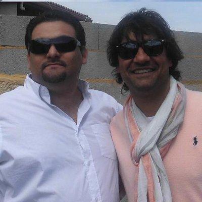 jimmy vila  et  son  cousin  mounin  vila  chanteur de  chico  the  gipsy