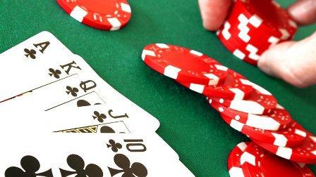 Berbagai Keuntungan Melimpah Bermain Judi Poker Dan Domino Online
