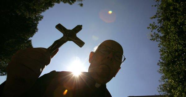 Le Vatican reconnaît une association des prêtres exorcistes