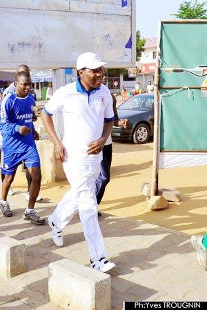 Boni YAYI s'offre un footing à travers la ville de Cotonou | Site officiel du gouvernement du Bénin