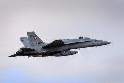Un avion militaire s'est écrasé en Suisse           petite pensée a karima kaci   MERCI