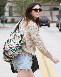 2011 05 16   Ali Lohan out and about candids in Venice Beach   0004