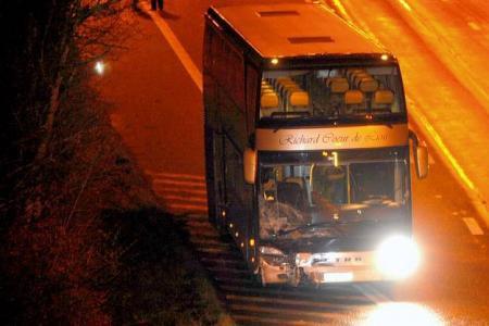 Un car belge prend feu sur l'autoroute en France, pas de blessé