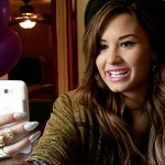 Go Behind The Scenes (Way Behind) With Demi Lovato At Her AT&T HTC Status Photo Session - Cambio