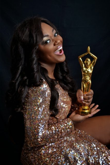 Photo of the Day: Jackie Appiah with her Award