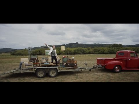 MACKLEMORE & RYAN LEWIS - CAN'T HOLD US FEAT. RAY DALTON (OFFICIAL MUSIC VIDEO) - YouTube