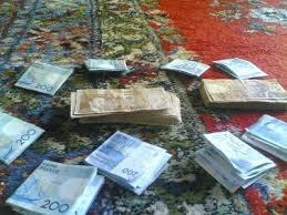Money cash - hotmias