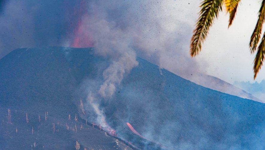 Éruption volcanique à La Palma : les images impressionnantes d'une onde de choc qui jaillit du volcan Cumbre V