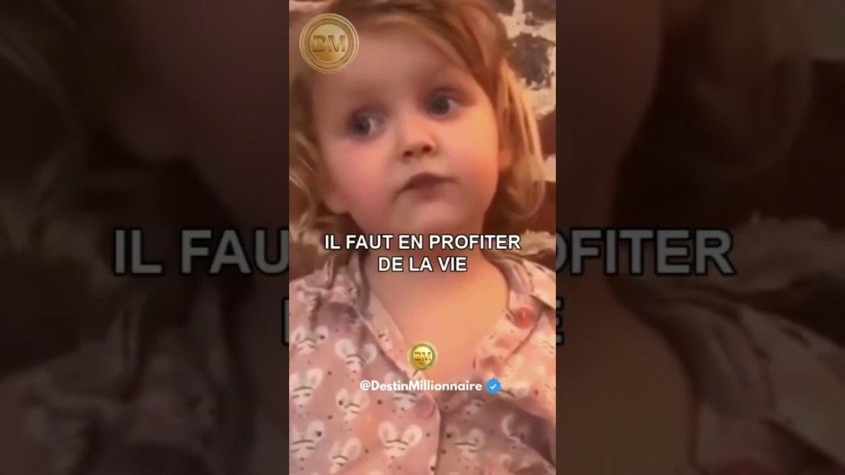 """Regardez """"Cette Petite Fille a tout comprit à la vie"""" sur YouTube"""