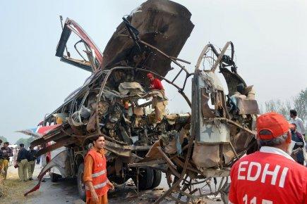 Pakistan: un attentat contre un bus de fonctionnaires fait 18 morts | Asie & Océanie