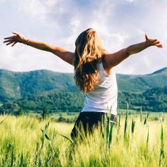 Comment les revenus influenceraient la façon d'être heureux