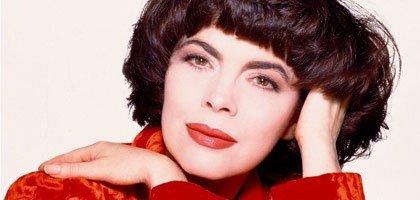 Die legendäre französische Sängerin Mireille Mathieu :: LIVE RīGA