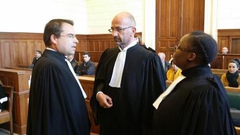 Accident de car de l'A10 : le procès renvoyé en novembre 2015
