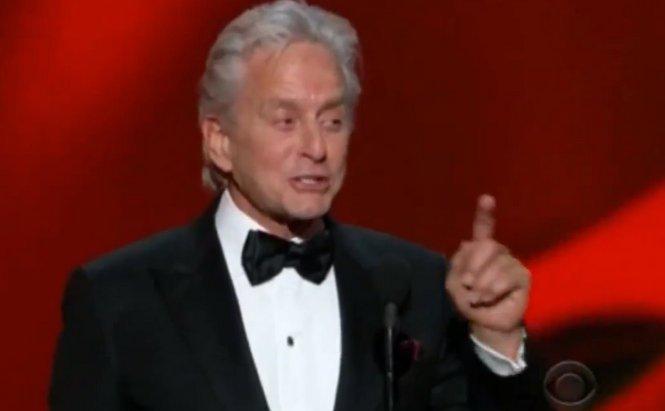 Les sous-entendus grivois de Michael Douglas à Matt Damon pendant les Emmy Awards