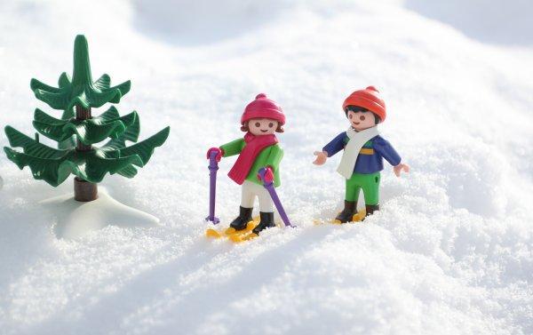 Ce blog plaira à tous les passionnés de playmobil ou à tous ceux qui pensent qu'il n'y a pas d'âge pour avoir des playmobil.