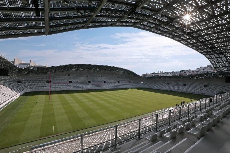 Décès d'un vigile dans un stade parisien, a priori un accident du travail - Libération