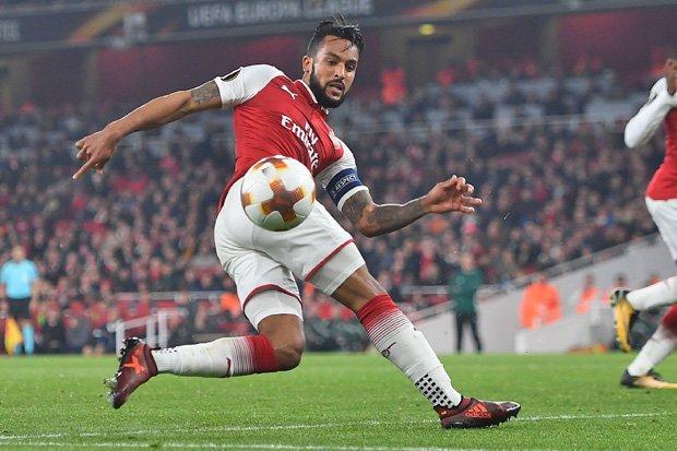 Theo Walcott Menawarkan Dirinya Kepada Milan Di Bursa Transfer