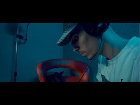 flenn freestyle (l'huma) - YouTube