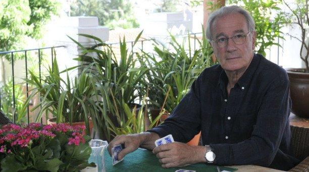 """Bernard Le Coq (Une famille formidable, TF1) : """"J'adore jouer les travers de Jacques Beaumont"""""""