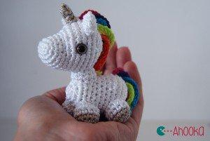 Mini licorne arc-en-ciel au crochet – modèle gratuit [amigurumi] | Ahookamigurumi