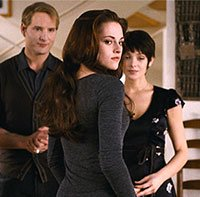 Exclusive Clip: The Cullens Coach Vampire Bella