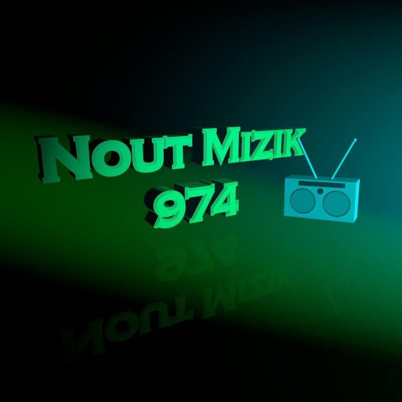 BRANCHE TOIAVEC TA WEB RADIO QUI TE DIFFUSE LES MEILLEURS NOUVEAUTé ET LES BONS SOUVENIRS AVEC SA PLAYLISTES !!