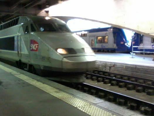 La rame TGV n°312 en provenance de Tours
