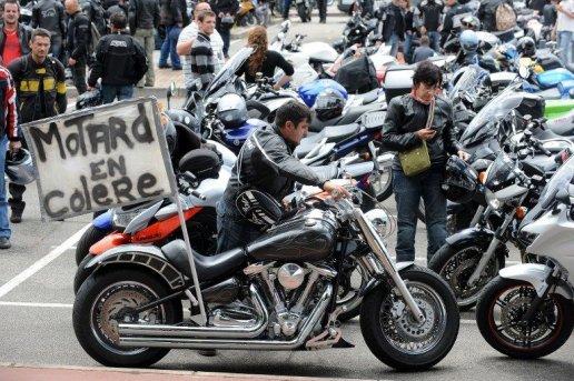 Manifestations de motards contre un projet de contrôle technique sur les deux-roues