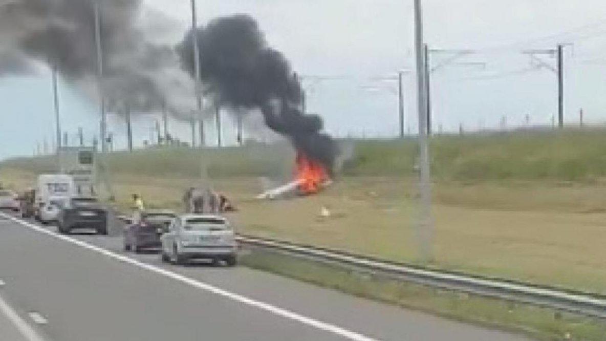 19-06-2019 - Crash d'un avion le long de la E40: les deux passagers sont blessés mais «conscients»