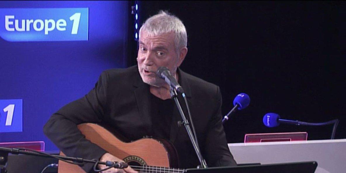 Bernard Lavilliers est l'invité de Nikos Aliagas dans Sortez du cadre europe 1 pour son nouvel album Acoustique