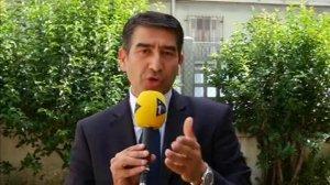 """Manuel Valls est un """"petit Sarkozy"""" selon Karim Zéribi"""