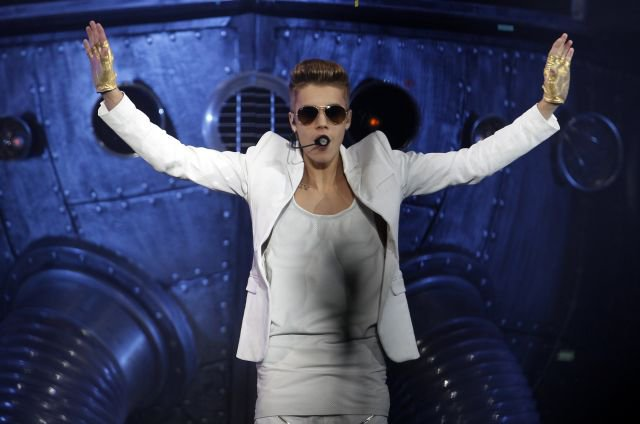 "love this. ""Schools in Norway move midterms so students can attend Justin Bieber concert"""