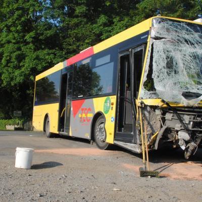 Wellin: collision entre un bus TEC et un camion