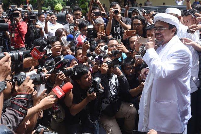 Rizieq akan Ajukan Praperadilan Setelah Jadi Tersangka - Berita Harian Indonesia