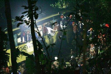 Malaisie: un accident de car fait aux moins 37 morts | Asie & Océanie