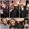 Justin Bieber est apparu avec une fausse moustache et des grosses lunettes sur le tapis rouge des Critics' Choice Movie Awards, qui se déroulaient hier soir à Los Angeles. + nouveau photoshoot We...