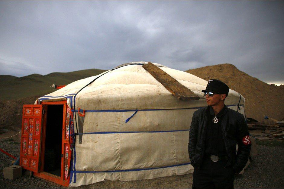 Le monde surréaliste des néo-nazis mongols
